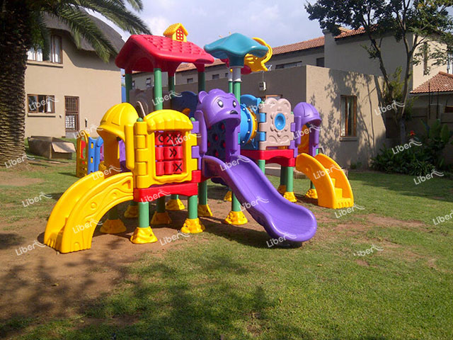 Why Is Outdoor Children Playground Equipment Popular? What Are The Advantages?
