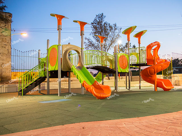 How To Install Outdoor Children Play Equipment? Are There Requirements For Site Terrain?